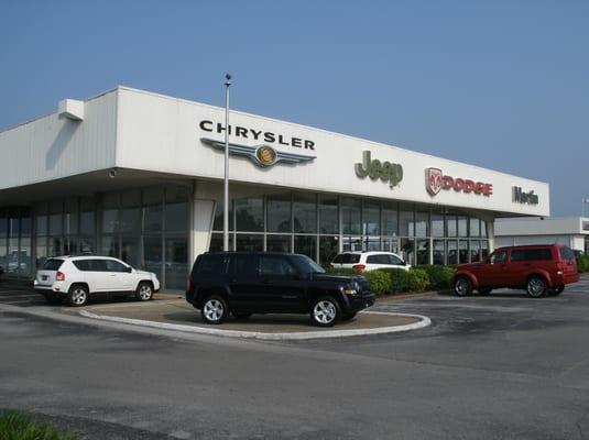 martin dodge jeep chrysler car dealers 2209 scottsville rd bowling green ky photos. Black Bedroom Furniture Sets. Home Design Ideas