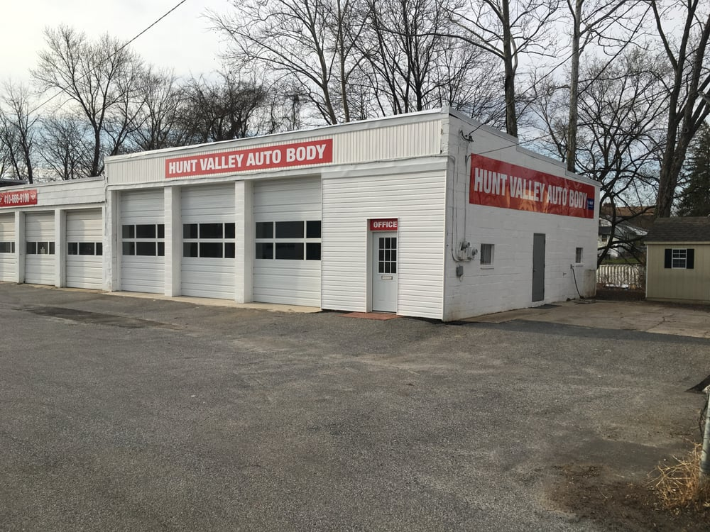 Hunt Valley Auto Body: 10720 Roberts Private Rd, Cockeysville, MD
