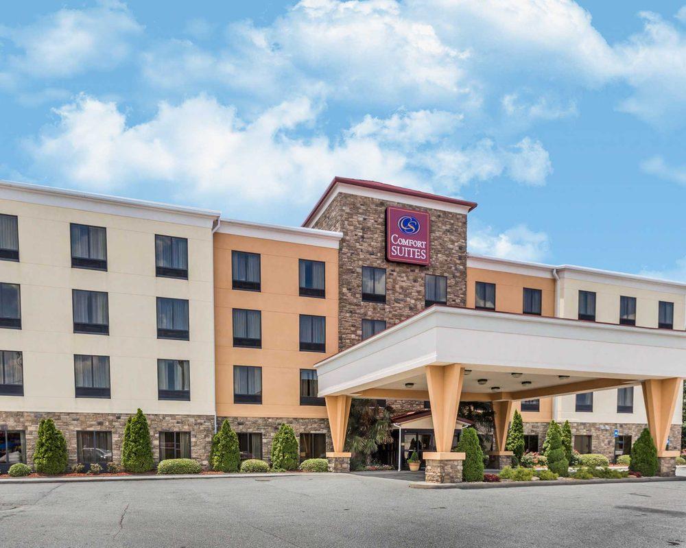 Comfort Suites: 30490 Hwy 441, Commerce, GA