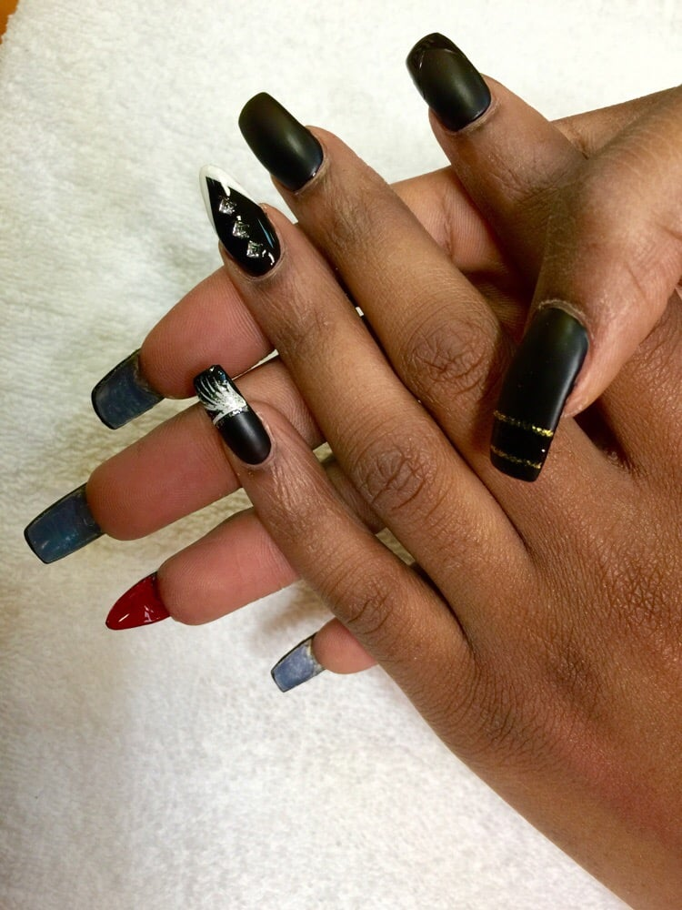 Acrylic Fill In Black And Red Bottom Nail Art Design With Matted