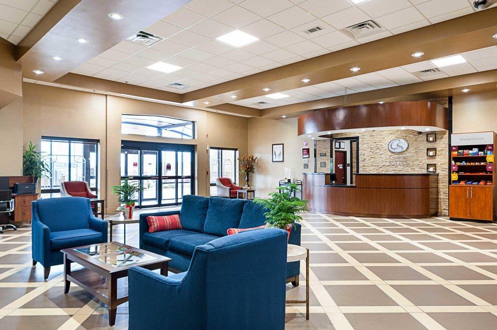 Comfort Suites: 441 Covenant Drive, Batesville, MS