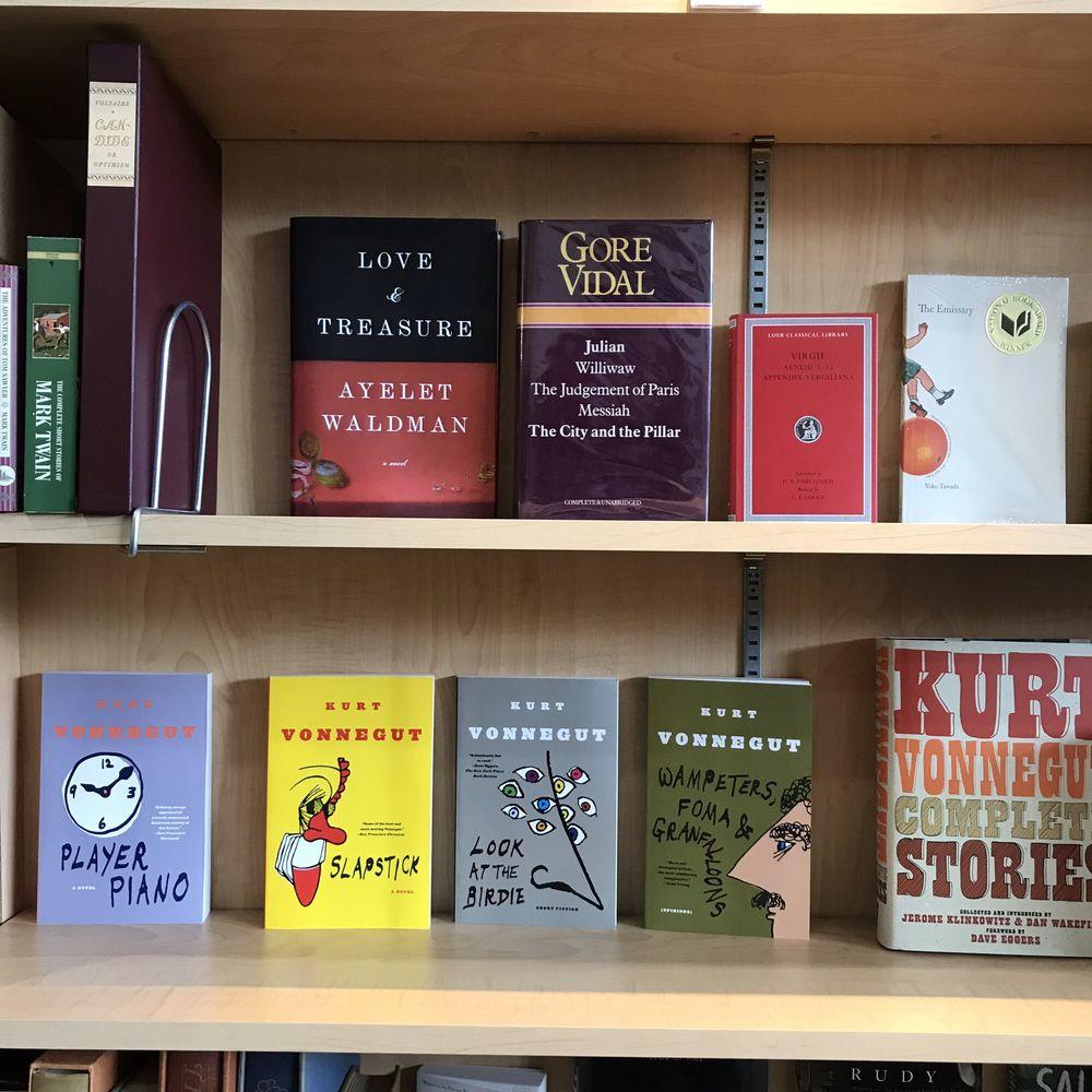 Back in the Day Books: 355 Main St, Dunedin, FL