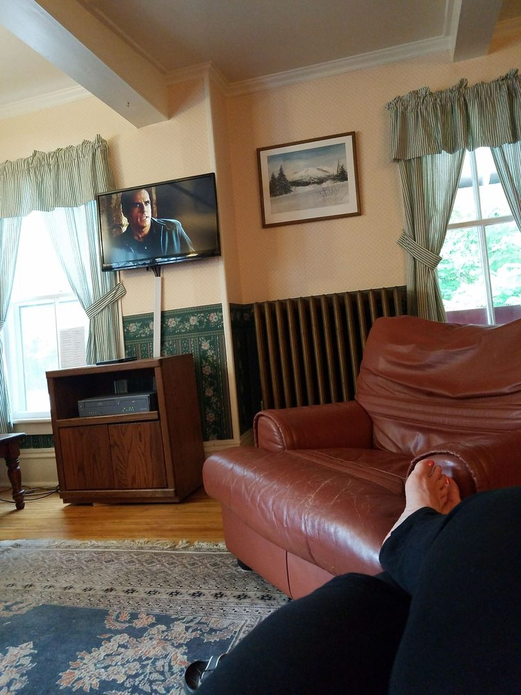 Cranmore Mountain Lodge Bed & Breakfast: 859 Kearsarge Rd, North Conway, NH