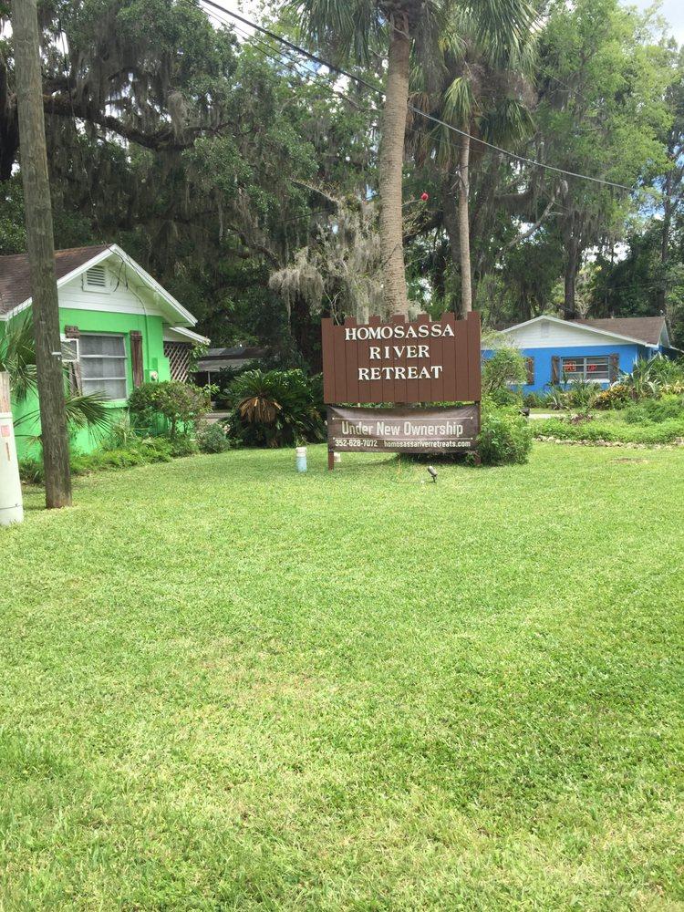 Homosassa River Retreat: 10606 W Halls River Rd, Homosassa, FL