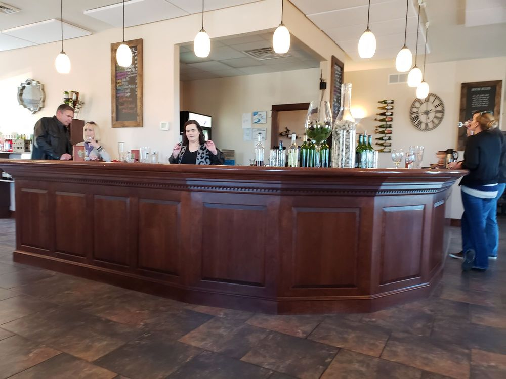Maiolatesi Wine Cellars: 32 Cabernet Dr, Scott Township, PA