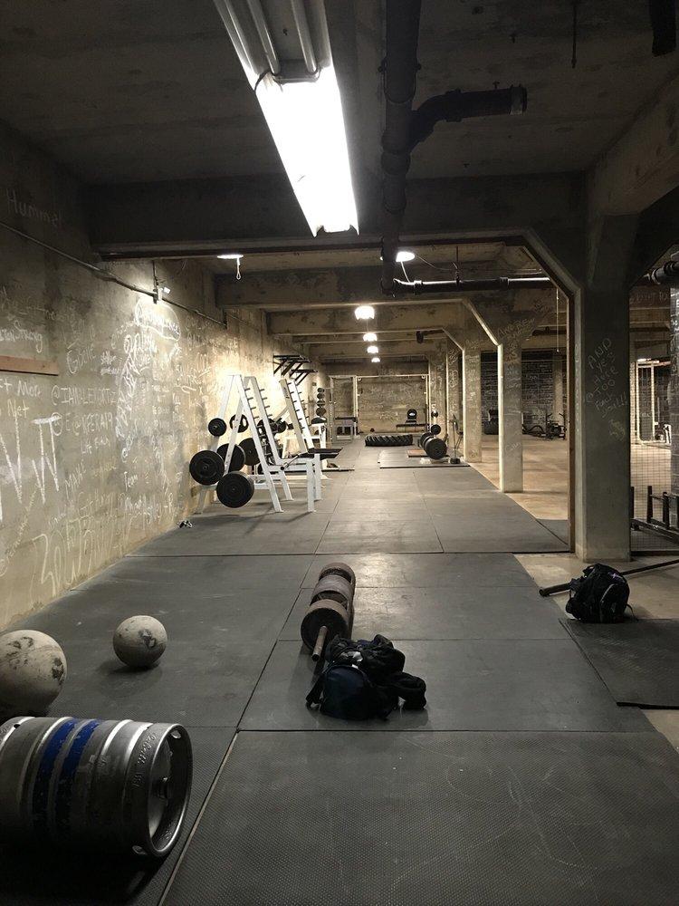 warhouse gym