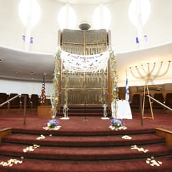 Photo of BBA Flowers and Events - Mount Prospect, IL, United States. Chuppah