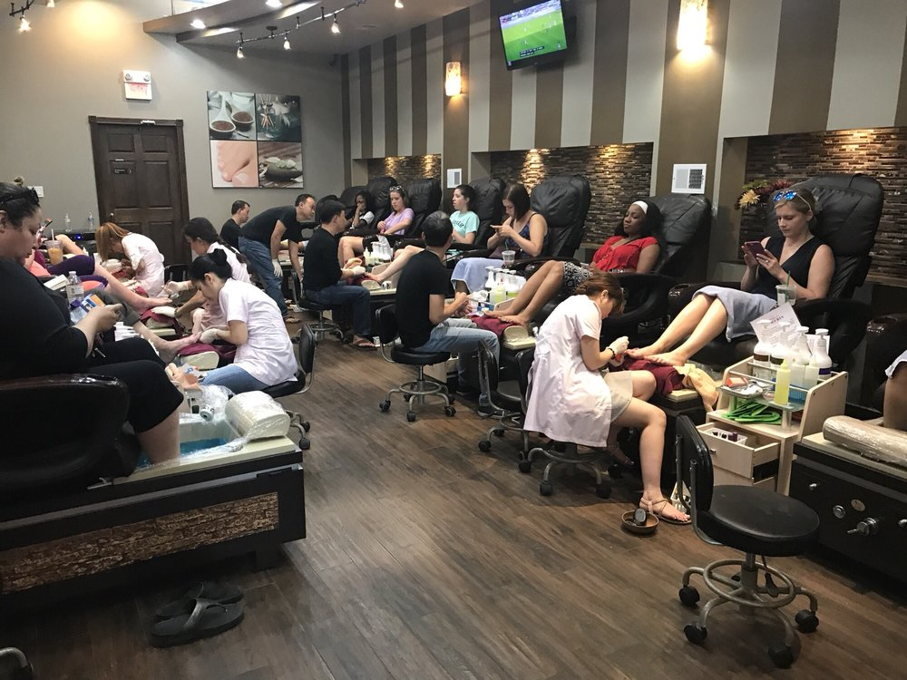 Luxury Nails - 75 Photos & 52 Reviews - Nail Salons - 17 W 687 E ...