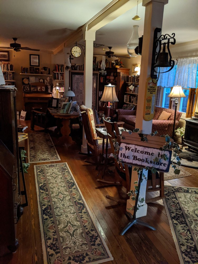 Percival Bickerstaff Booksellers: 418 W Broadway St, Philipsburg, MT