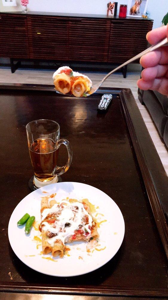 Las Rocas Mexican Grill: 27963 Sloan Canyon Rd, Castaic, CA
