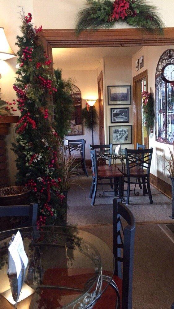 All Seasons Cafe & Florist: 134 E Main St, Morehead, KY