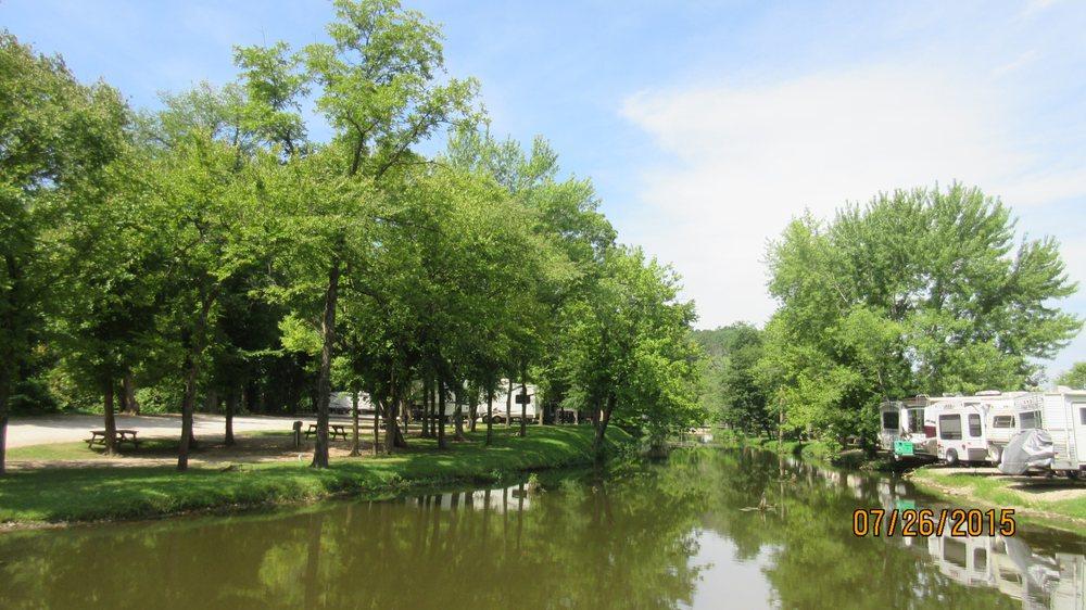 Riverview RV Park: 398 Wood River Rd, Lake Ozark, MO