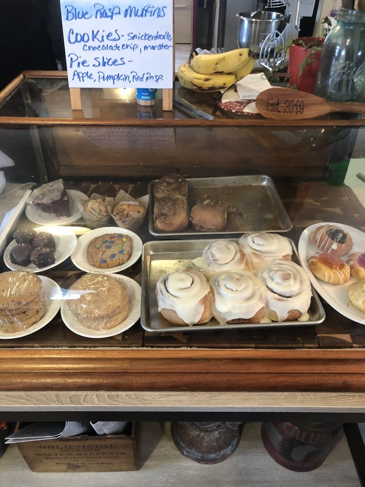 The Wooden Spoon Bakery & Cafe: 305 N Benton St, Brighton, IA