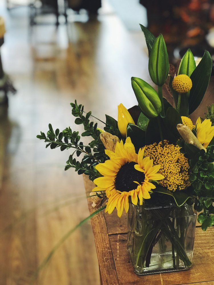 Main Street Floral + Goods: 106 S Main St, Hendricks, MN