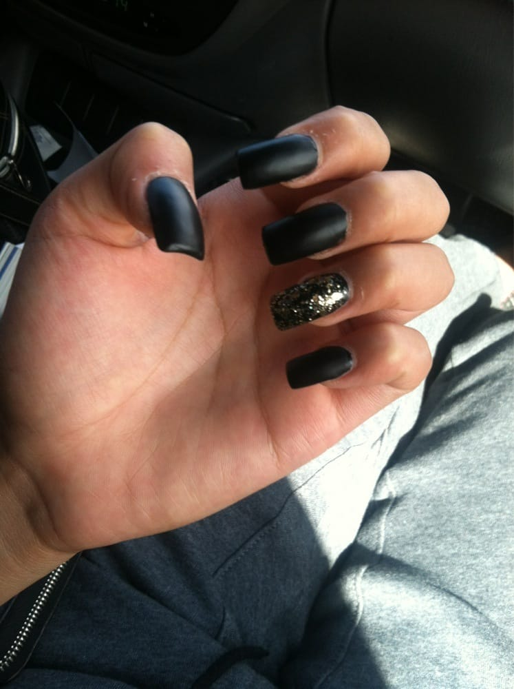 Matt black nails with accent gold nail! Love it!! - Yelp