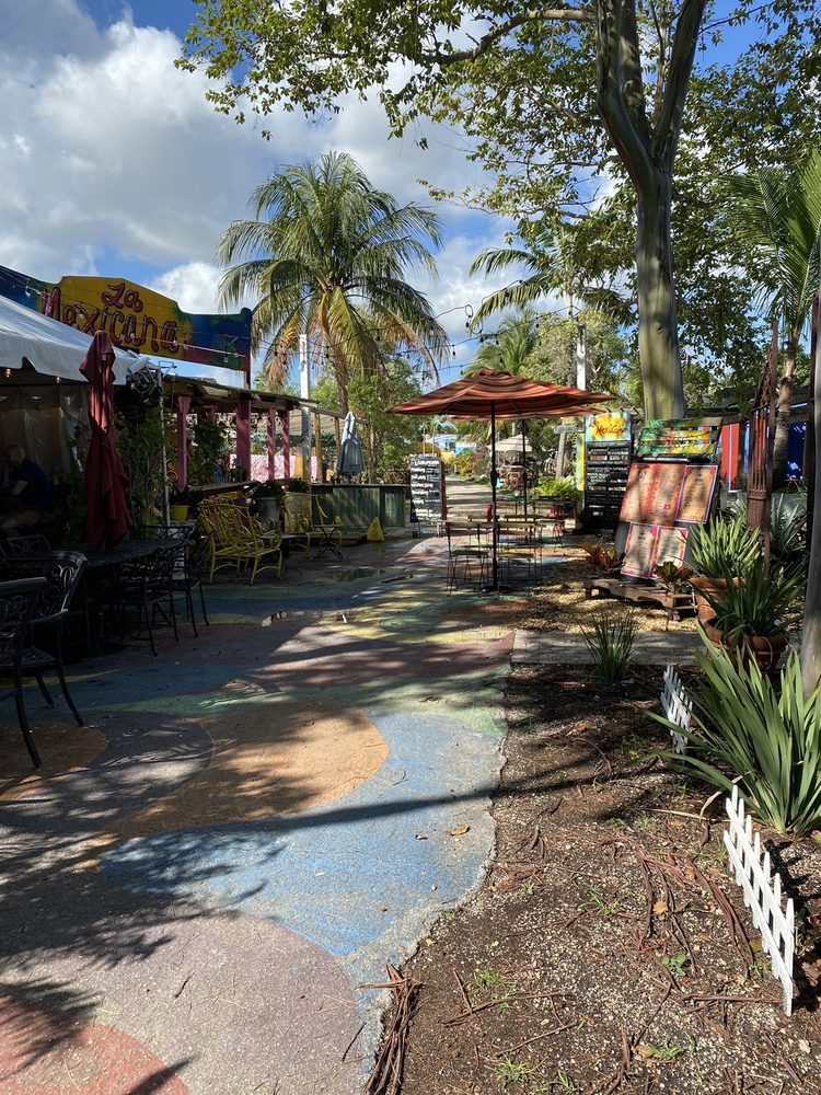 The Yard: 2420 NE 13th Ave, Wilton Manors, FL