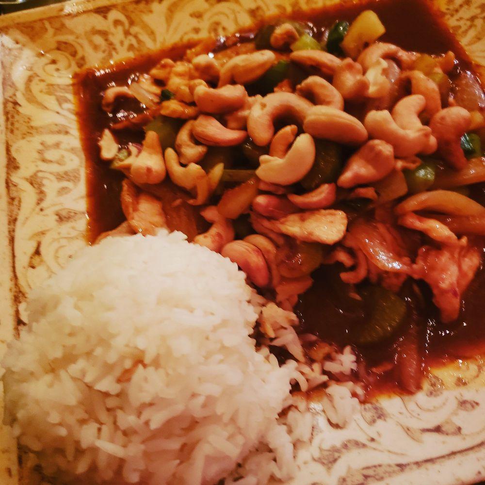 Dusit Thai Cuisine: 920 Hwy 62 E, Mountain Home, AR
