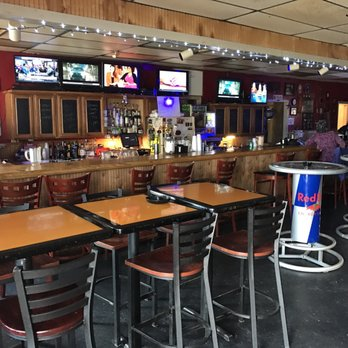 Ready room 18 photos 12 reviews dive bars 1805 for Whiskey kitchen virginia beach