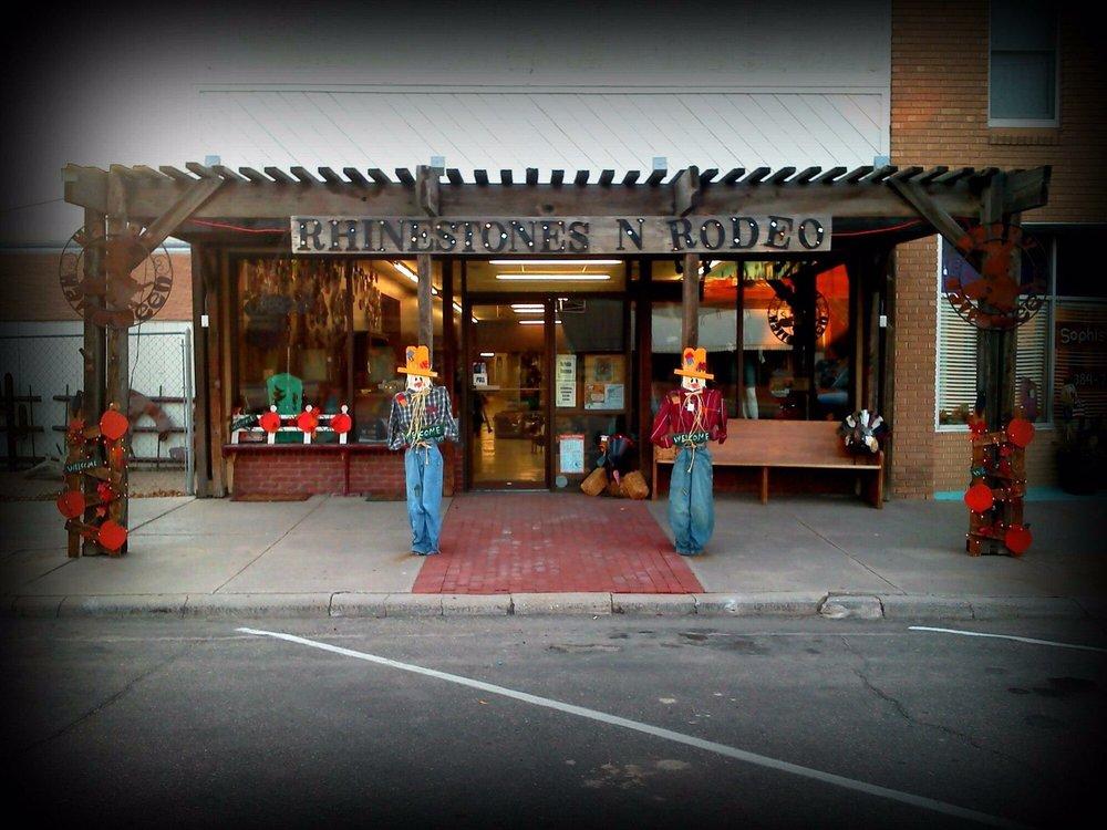 Rhinestones N Rodeo: 114 N Main St, Syracuse, KS