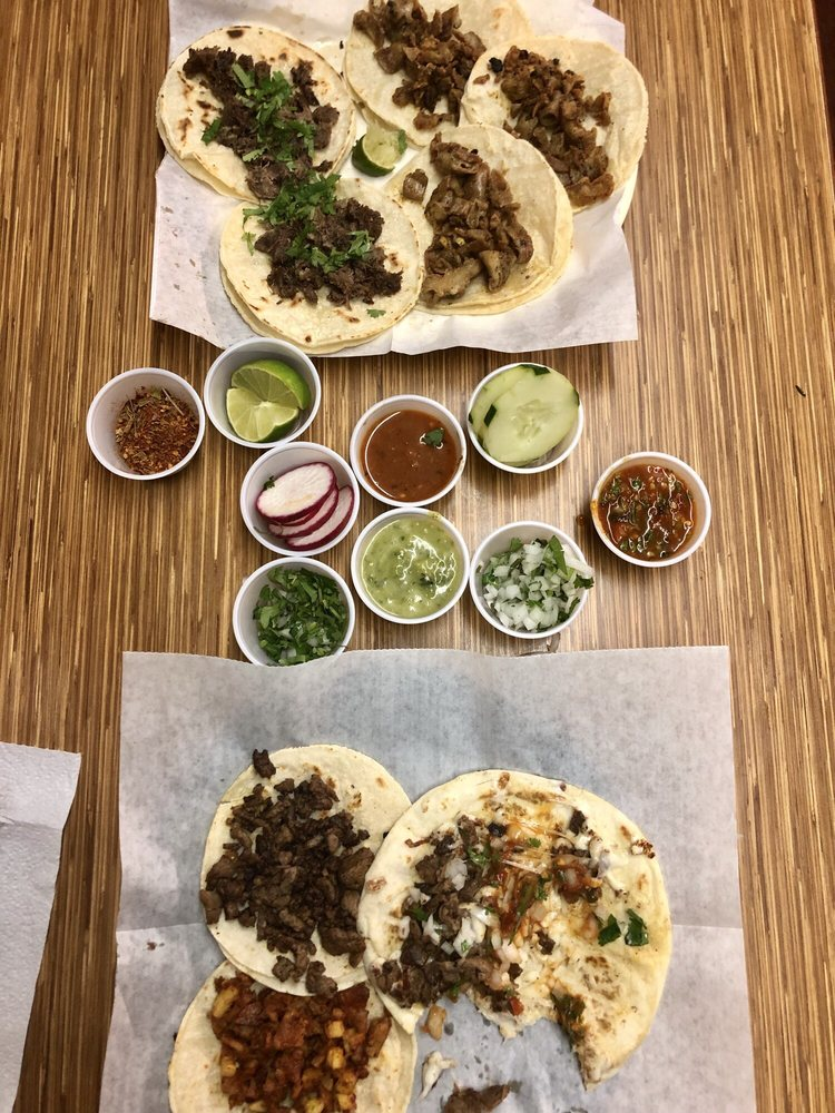 Food from La Calle Taqueria Y Carnitas