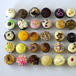 sweet by holly cupcakes