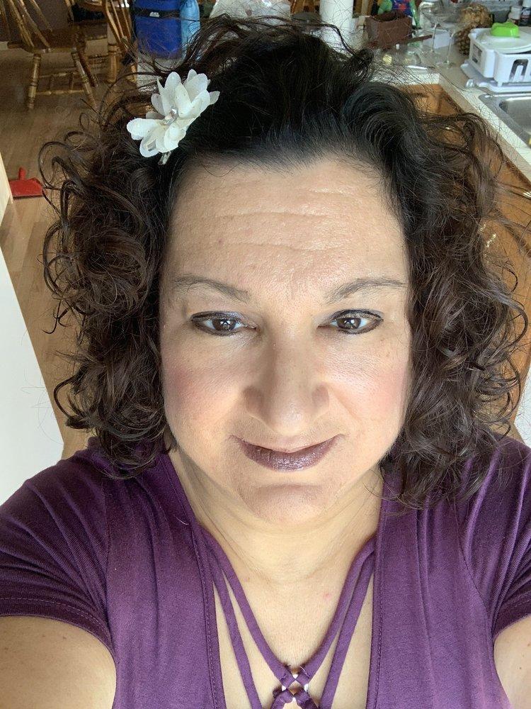 Bodacious Curls: 920 E Division St, Coal City, IL