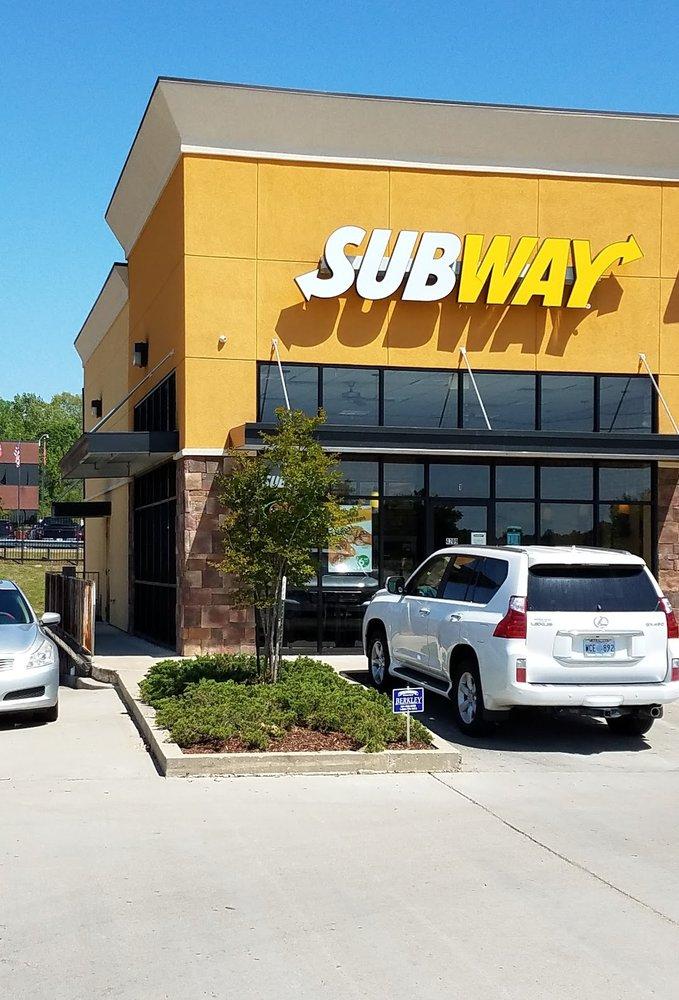 Subway: 4209 Clay St, Vicksburg, MS