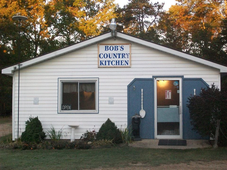 Bob's Country Kitchen: 10555 N Twin Creek Rd, Irons, MI