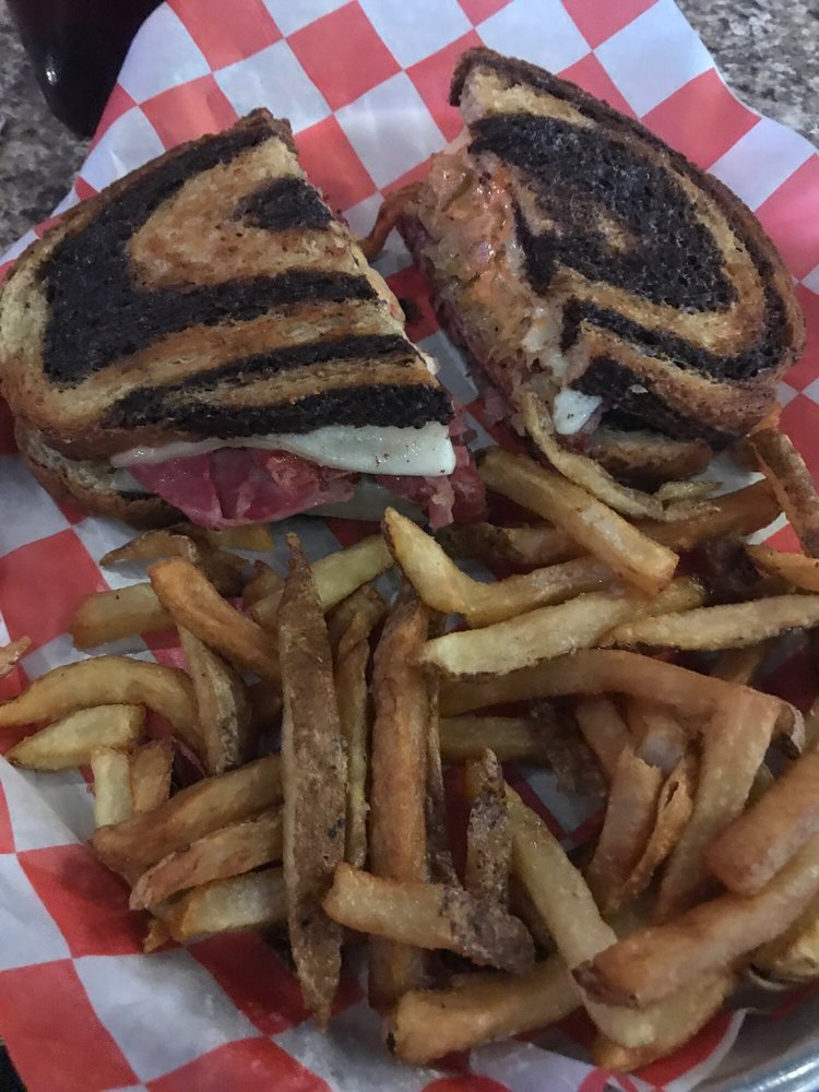 3 Brothers Corner Tavern: 7192 Fulton Dr NW, Canton, OH