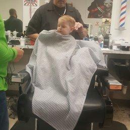 Bruce's Barber Shop Barbers 2311 Thonotosassa Rd