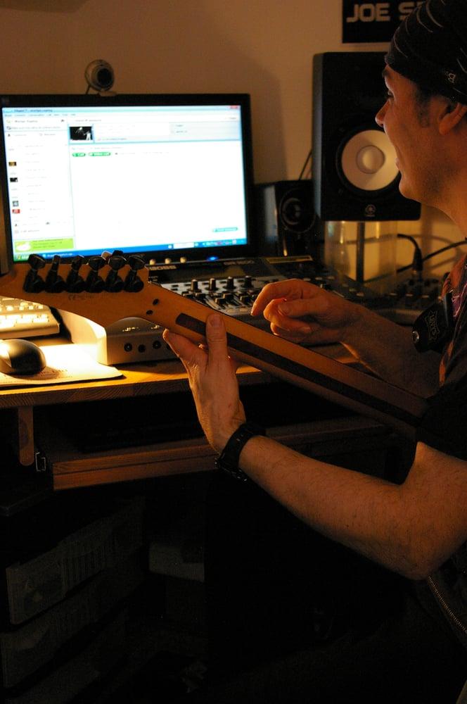 Guitar Lessons Glasgow With Martyn Rapley | 80 Anwoth Street, Glasgow G32 7RW | +44 7796 123024