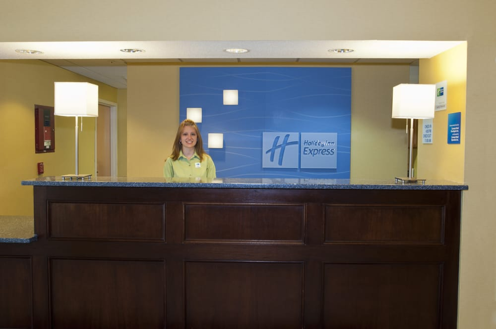 Holiday Inn Express & Suites North Conway: 1732 White Mountain Hwy, North Conway, NH