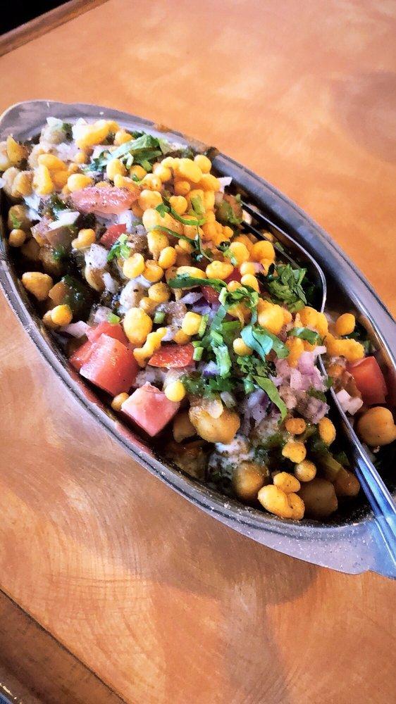 Tandoor Indian Cuisine: 805 E Brandon Blvd, Brandon, FL