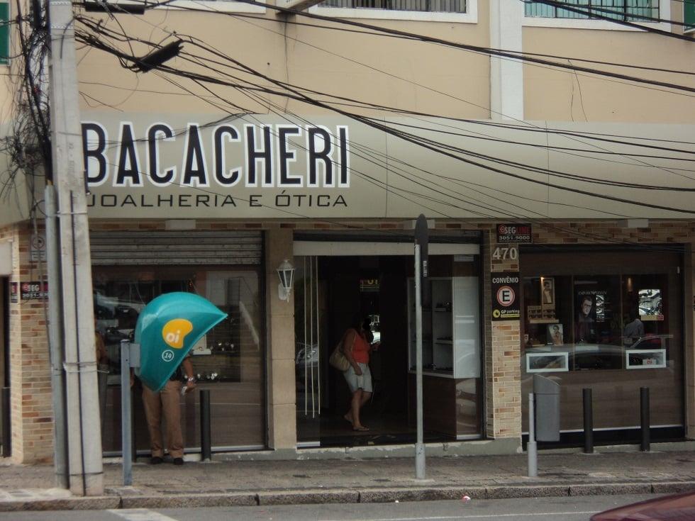 bfe4aa304fe Joalheria e Ótica Bacacheri - Eyewear   Opticians - Avenida Prefeito Erasto  Gaertner