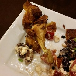 1 Share Wine Lounge And Small Plate Bistro