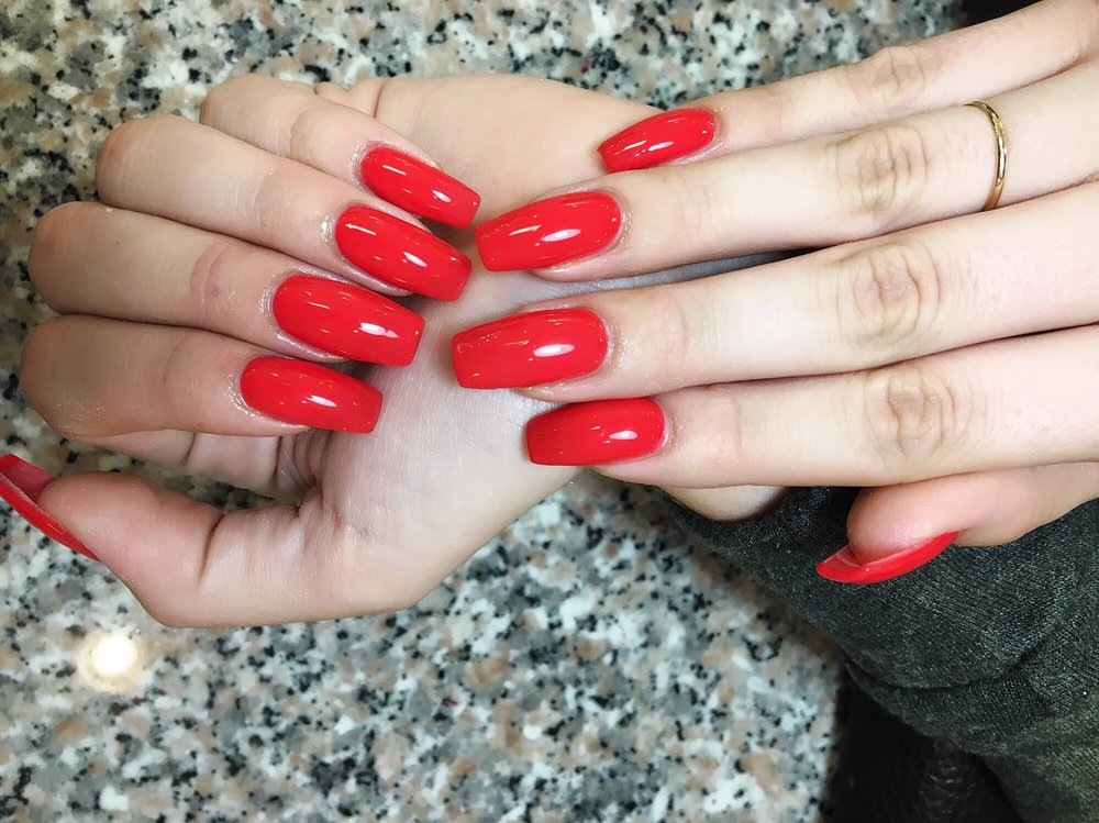 Nails done by LYNN she is the best at shaping acrylic nails- so ...