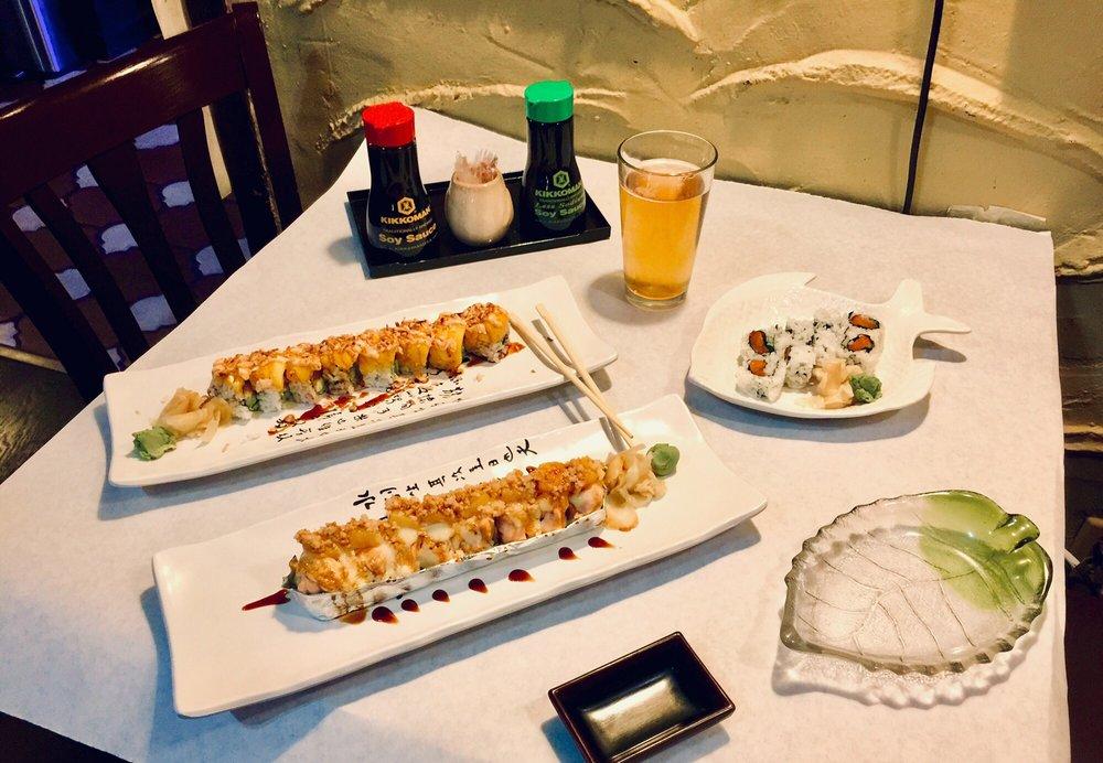 Sushi San: 6231 Graham Hill Rd, Felton, CA