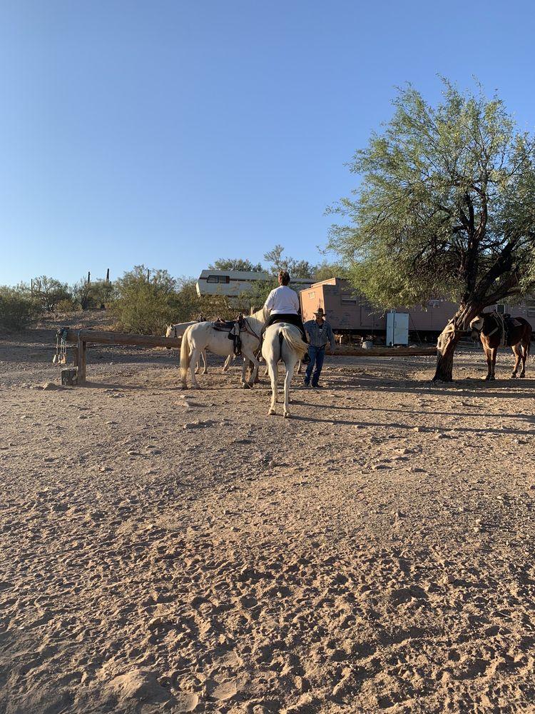 Bettys Trail Rides: Morristown, AZ