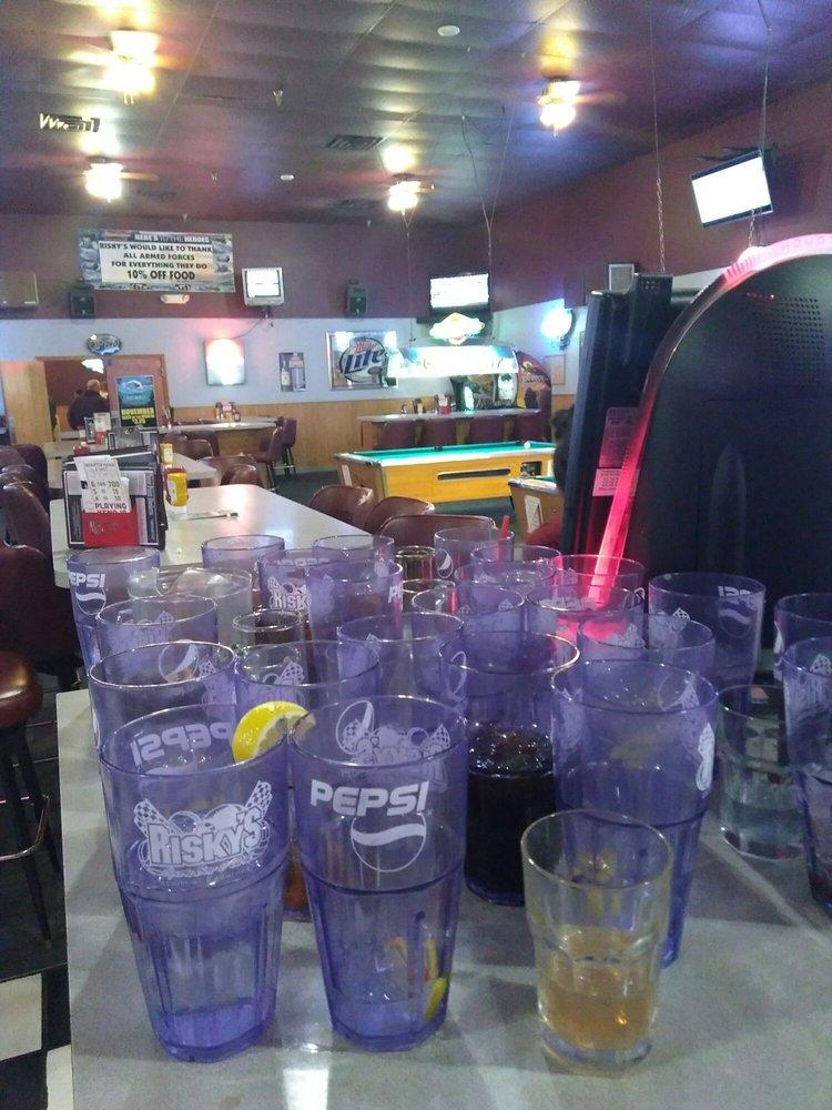 Risky Sports Bar & Grill: 2317 N 6th St, Beatrice, NE