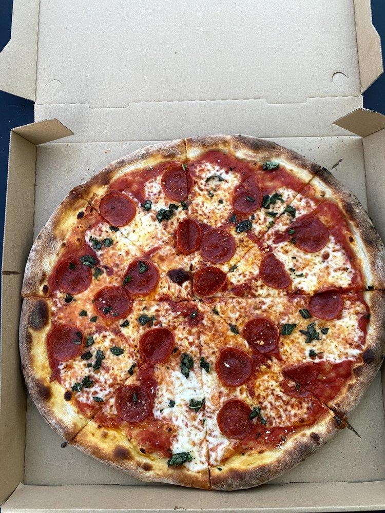 E & I Pizza: 1127 US Hwy 17, Davenport, FL
