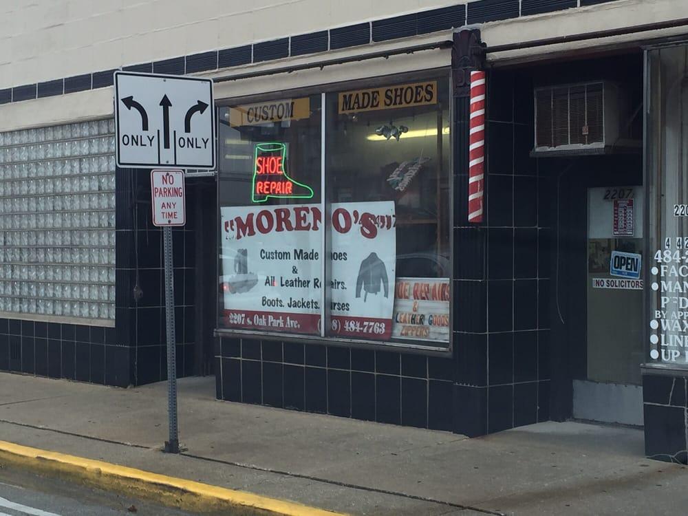 Moreno's Shoe Repair: 3142 S Oak Park Ave, Berwyn, IL