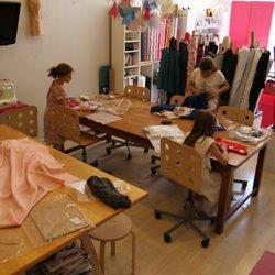 Popeline ateliers de couture 10 photos tailor sewing for Atelier couture a bordeaux