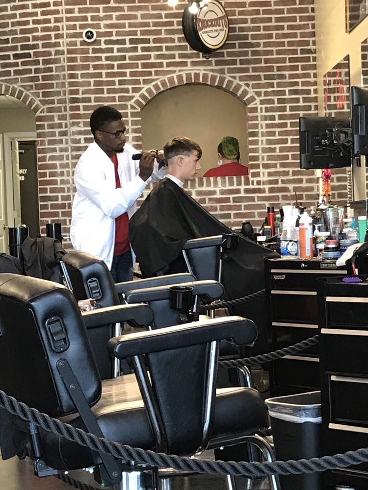 Knockouts Haircuts for Men: 2310 SE Delaware, Ankeny, IA