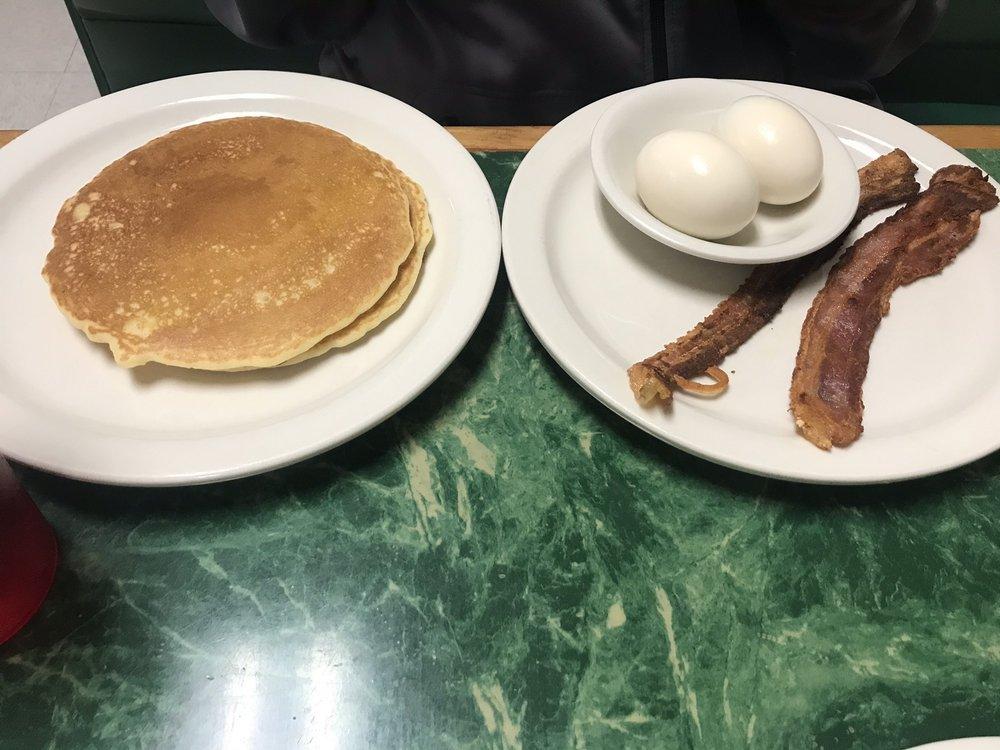 Steele Family Restaurant: 113 W Main St, Steele, MO