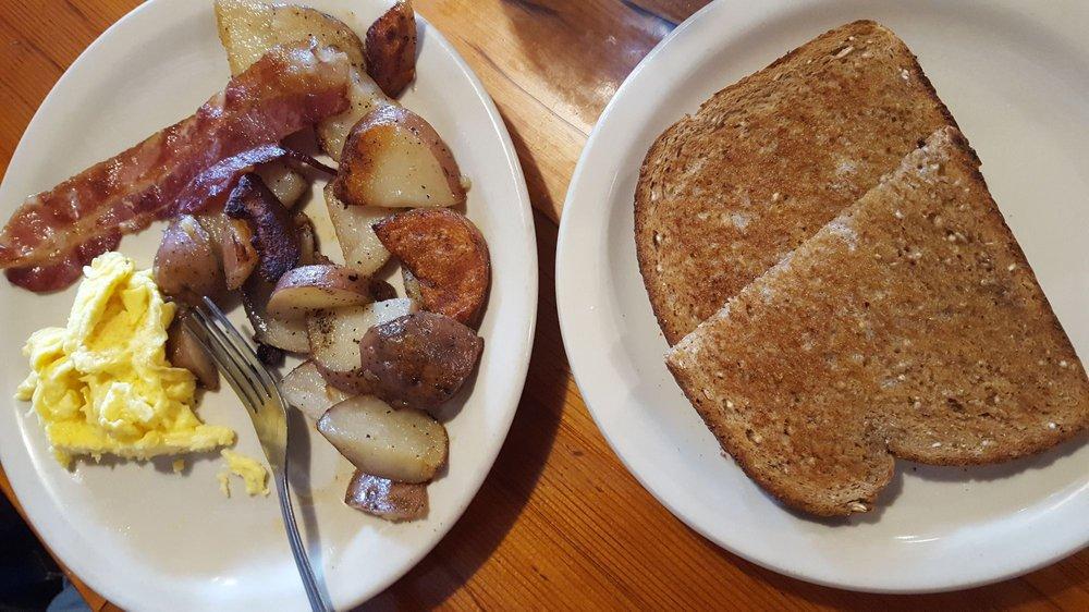 Cedar's Restaurant & Lounge: 2019 Main St, Ferndale, WA