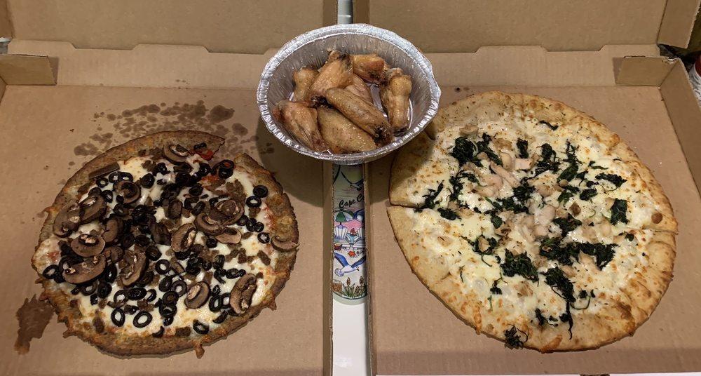 Gilligan's Pizza: 14330 US Hwy 377, Benbrook, TX