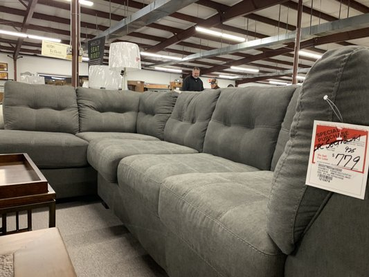Heavner S Furniture Market 1701 W Market St Smithfield Nc Furniture