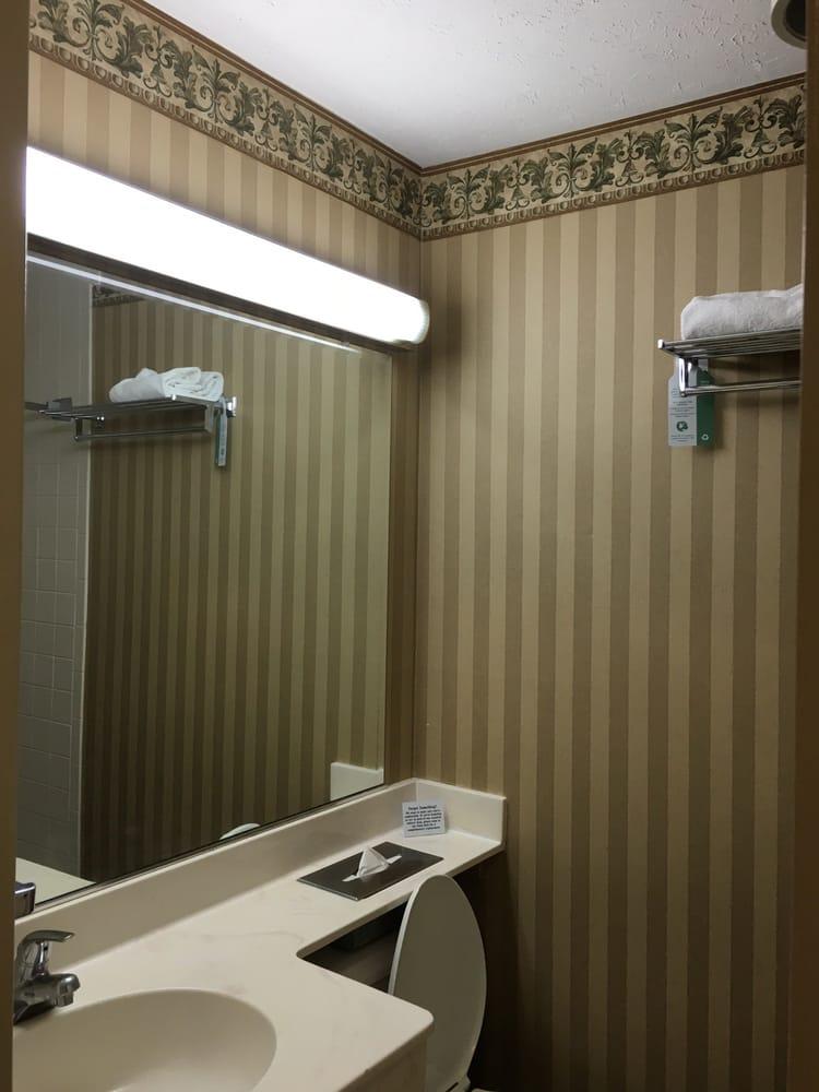 Breckinridge Inn Hotel