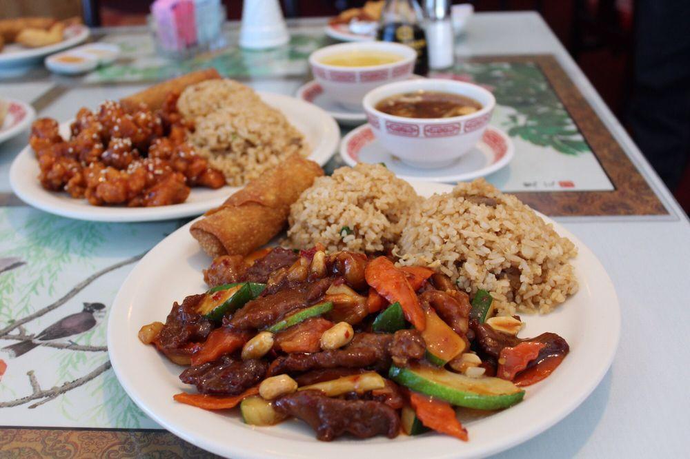 Szechwan Chinese Cuisine: 1605 Juan Tabo Blvd NE, Albuquerque, NM