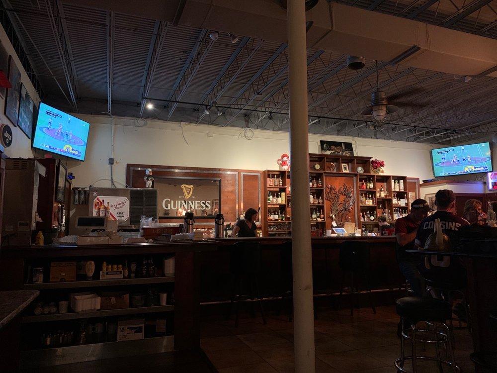 The Snug Pub & Eatery: 200 Willard St, Cocoa, FL